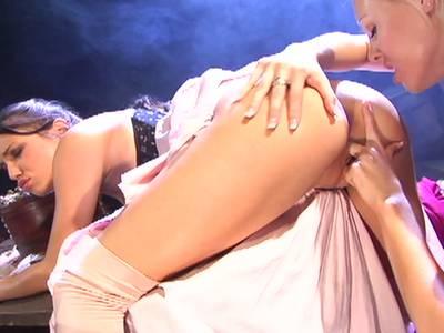 Geile Lesben lecken ihre Muschis